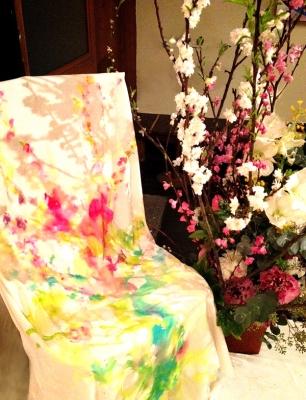 椅子に描いた花ーこころ化粧ー
