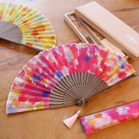 色彩作家・内藤麻美子×「白竹堂」想色扇子のご紹介